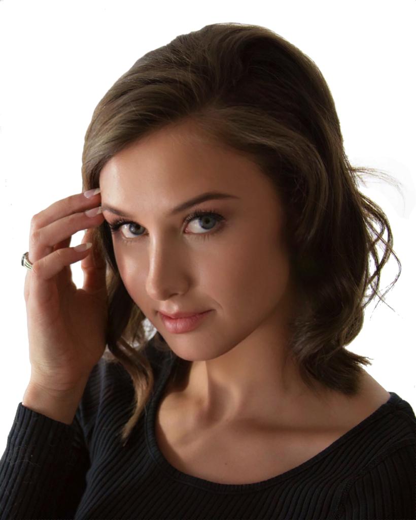 Lena Headshot 1